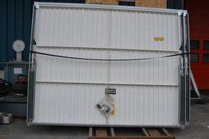 Portes la brocante du b timent for Porte garage sectionnelle 300x200